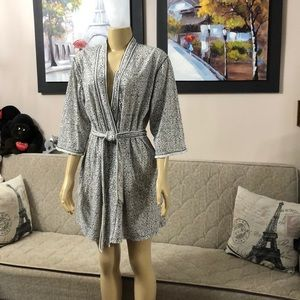 NWOT ARIA ROBE 60% cotton 40% polyester size M